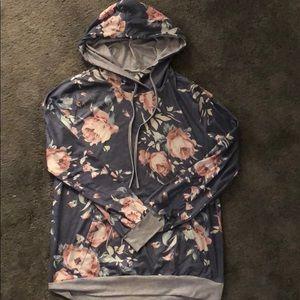 Tops - Rose patterned Sweatshirt